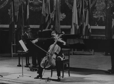 Actuació del duo integrat per Laurent Martin, al piano i Christine Vitoux, al violoncel, concursants de la branca Cambra durant la Prova Final de la XIX edició del Concurs Maria Canals, al Palau de la Música Catalana.