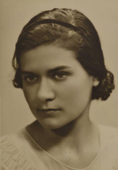 Retrat de joventut de Maria Canals