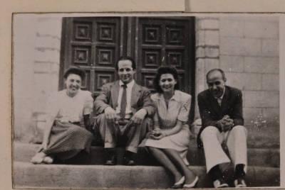Retrat de grup de Rossend Llates i Maria Canals, entre d'altres persones