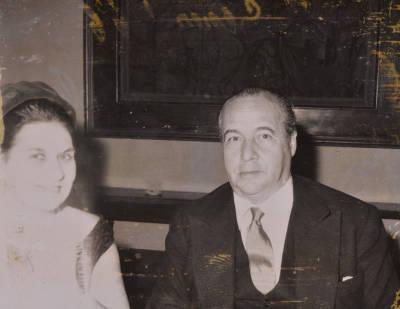 Maria Canals i Rossend Llates, en el convit de noces de Paulina Angel Caldentey i Joan de Sagarra Devesa