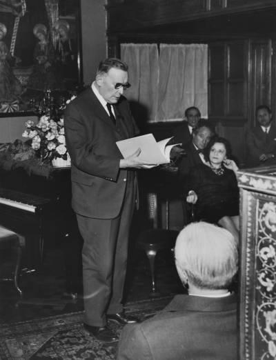 Parlament del compositor suís Henri Gagnebin a la residència de Federico Torelló