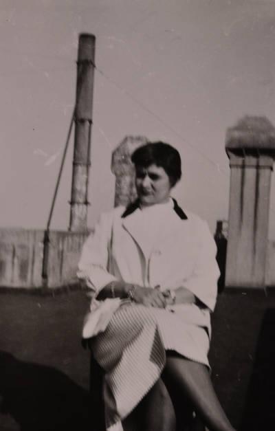 Maria Canals i Rossend Llates en un terrat