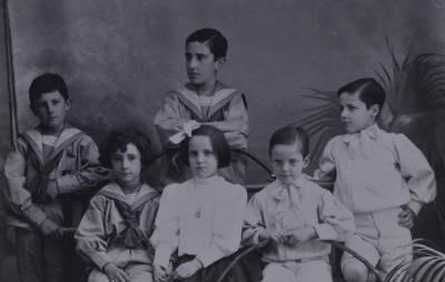 Retrat dels germans Llates amb els seus cosins Clarassó
