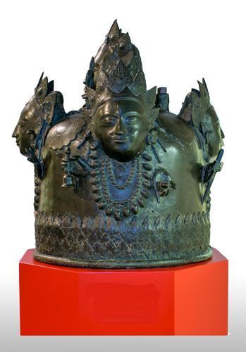 Lingastolp, gezichtslinga met Sadashiva [Panchamukha Linga]