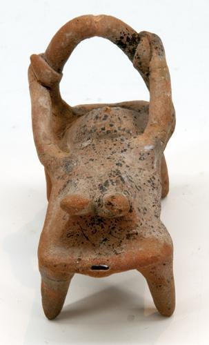 Rammelaar en fluitje in de vorm van een barende vrouw