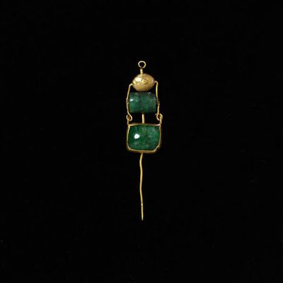 Pin or hair ornament, gold hung with emeralds, Europe (Roman), 1st-4th century. Pin or hair ornament, gold hung with emeralds.  Gold, emerald.