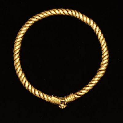 Bracelet, twisted gold with clasp, Eastern part of the Roman Empire, about 200-300. Bracelet, twisted gold with clasp.  Gold.