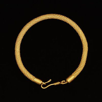 Bracelet made out of plaited gold, Greece, 4th-3rd century BC. Bracelet made out of plaited gold.  Gold, plaited.