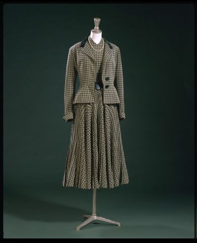 Ensemble consisting of a jacket and dress of wool and leather belt, designed by Digby Morton, London, 1947-1948.