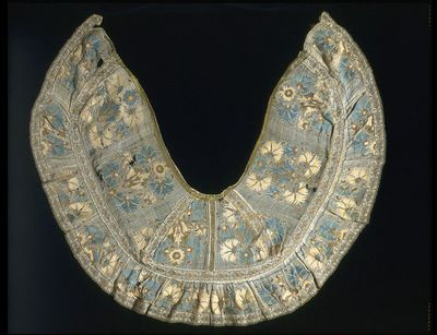 fe597cf19 Collar, trimmed with bobbin lace with floral motif, Greece, 19th century.  Muslin