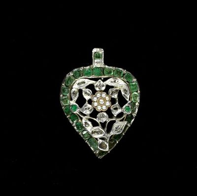 Pendant, emeralds, brilliant-cut diamonds and seed pearls set in silver, Europe, ca. 1740-1760. Pendant, emeralds, brilliant-cut diamonds and seed pearls set in silver.  Emeralds, diamonds and pearls with silver.