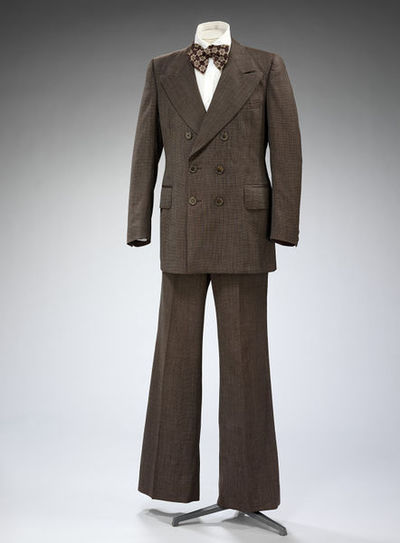 Man's suit in lightweight brown wool, made by John Michael, Great Britain, 1970.