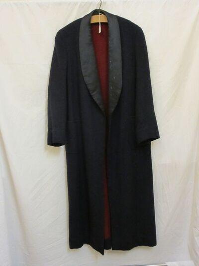 Man's coat, navy wool with satin lapels, British, 1930-1939.Man's coat, navy wool with satin lapels.Wool and satin.