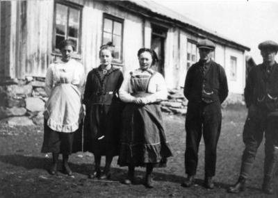 Frå venstre: Birgit S. Tuv, Signe Tuv, Anne O. Tuv, Knut S. Tuv og Trond Tuv.