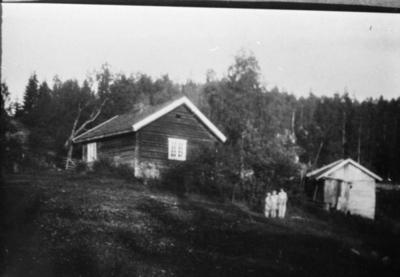 Husmannsplassen Sør Lere, stue og uthus.