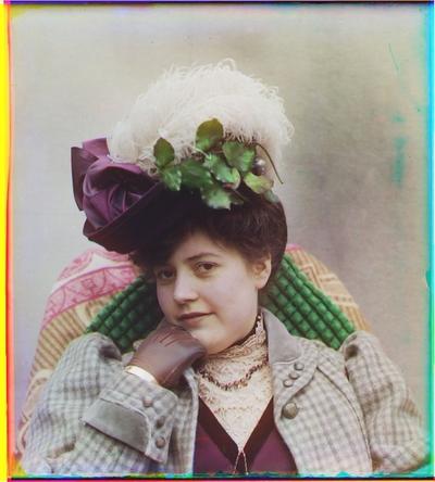 Portrett av en kvinne med hatt.