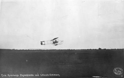Fra Arméens flyveplass ved Lillestrømmen