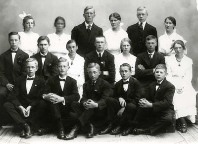 Rad 1, venstre: Karl Thommesen, Arnold Grøgaard, Sverre Nilsen, Odd Thorsen, Rolf Knutsen.