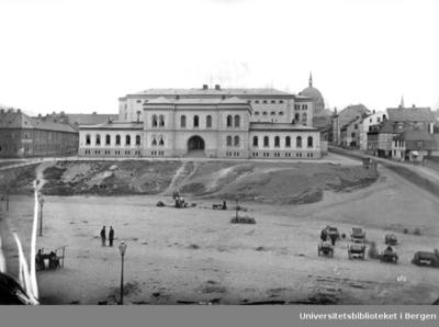 Møllergata 19. Oppført som hovedpolitistasjon i 1866 av arkitekt J.W.Nordan