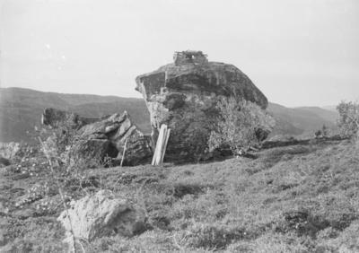 Stabburssteinen ved Holmsjøen, øverst i Grense Jakobselv 1903