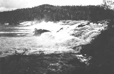 Skogfoss (Mennikafoss) i Pasvik