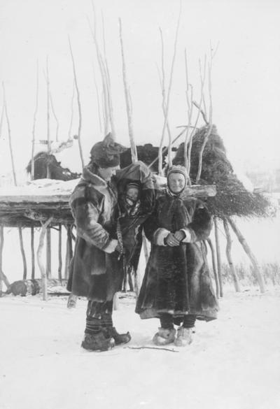 Ole og Marit Banne med datteren Inga i komse vinteren 1897