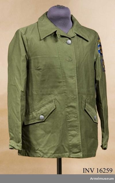 85de0edb4170 Fältjacka m/1970, Fältjacka m/1970 för kvinnlig personal : Tillverkad av  olivgrönt