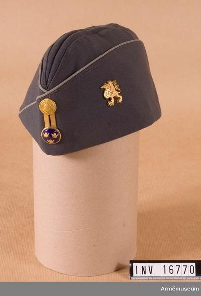 0ae96b9e8f4a Båtmössa m/1960, Båtmössa m/1960 för officer vid Älvsborgs regemente : Stl