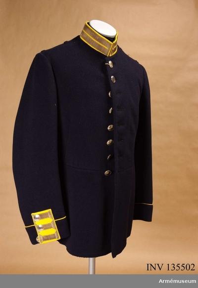 Vapenrock m/1886, Vapenrock m/1886 för underofficer vid Svea livgarde :