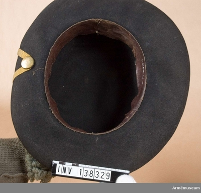 Hatt m/1779, Hatt m/1779 för Stockholms borgerskaps infanterikår : Hatt med blå och gul plym.