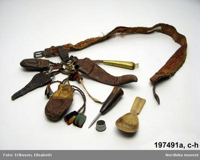 Dräkttillbehör : Bälten Lapska föremål : Dräkt : Bälten Samisk historia