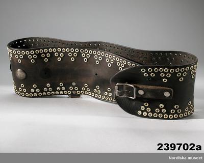 Lapska föremål : Dräkt : Bälten Dräkttillbehör : Bälten Samisk historia