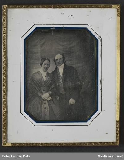 39f626f149ff Kläder : Damkläder Kläder : Herrkläder Kvinna Man Motivkategori : Porträtt