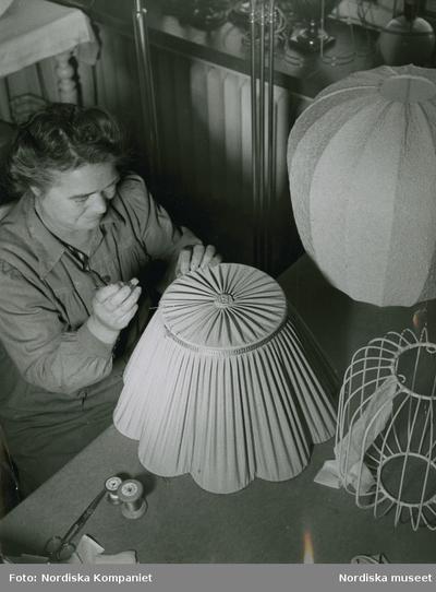 Arbete Belysning Hantverk Kläder : Arbetskläder Kvinna