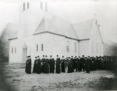 innviing kyrkje prosesjon