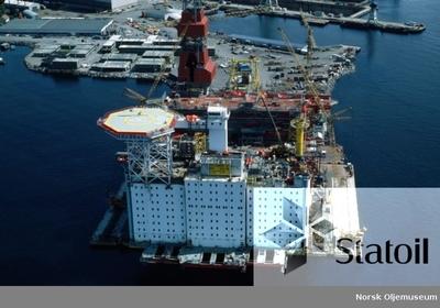Dekket til Statfjord C er under bygging ved Moss Rosenberg Verft i Stavanger