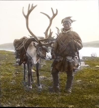 Fra foredragsrekken Landmålerlivet i Finnmark v/Axel Printz : Fjellsame fra Karasjokk med rein fra