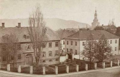 Militærhospitalet, Grev Wedels plass