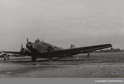 Junkers 52 på en flyplass