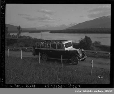Buss med åpent tak fra Troms innland rutebilsentral
