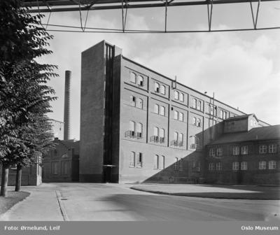 fabrikkbygning