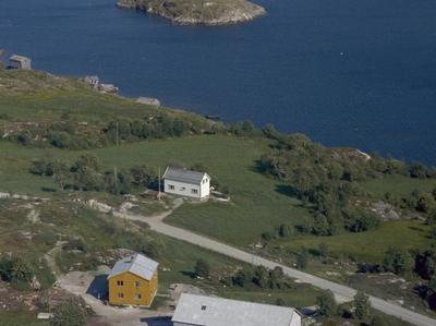 Eiendommene Skaget og Nyheim
