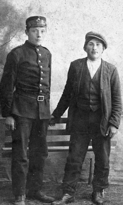 2 unge menn