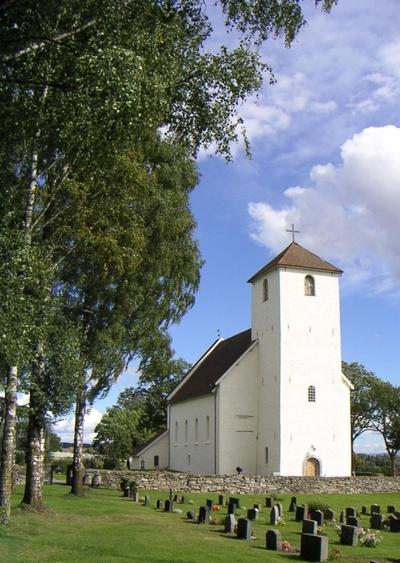 Hoff kirke, tingplass og kultsted