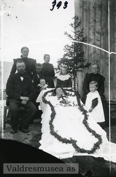 Gravferd etter Ingeborg Kaata i 1904