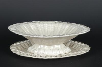 Oval skål med fat i glasert engelsk creamcoloured earthenware