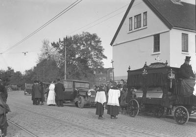 Begravelse av fransk dame v/ franske konsulat v/ konsul Klingenberg