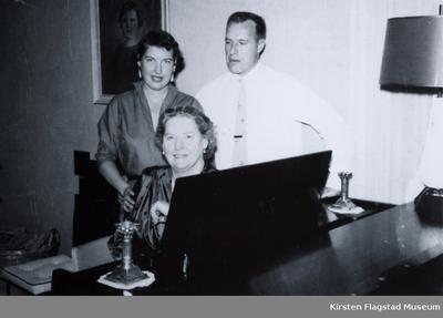 Kirsten Flagstad med sin datter Else Marie og sin svigersønn Arthur Dusenberry Phoenix