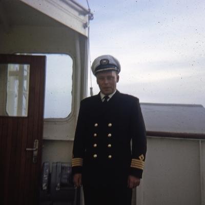 Kaptein ombord i D/S 'Topdalsfjord' (b