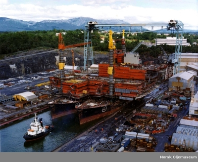 Statfjord_A platformdekket til klargjøring ved Stord Verft